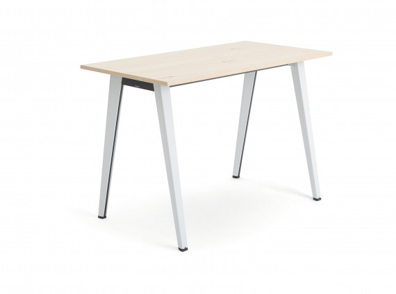 B-free tables from Steelcase