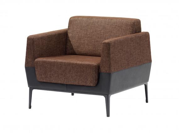 VISALIA ONE-SEAT LOUNGE