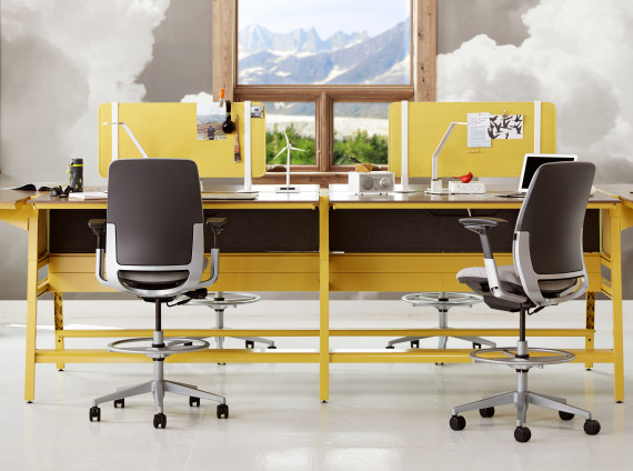 Bivi Desk and Amia Stools