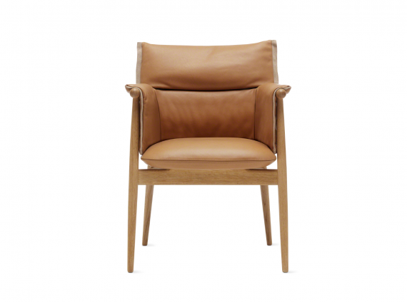 Embrace Lounge Chair CHE015 in leather