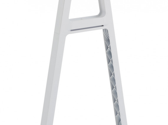 Bivi Slim Leg on white background
